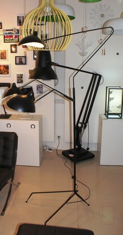 Serge Mouille floor lamp  3 Arms