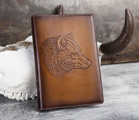 Ежедневник в красивой кожаной обложке «Волк»