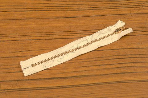Молния неразъёмная однозамковая YKK (14 см) 09-23-0001-11
