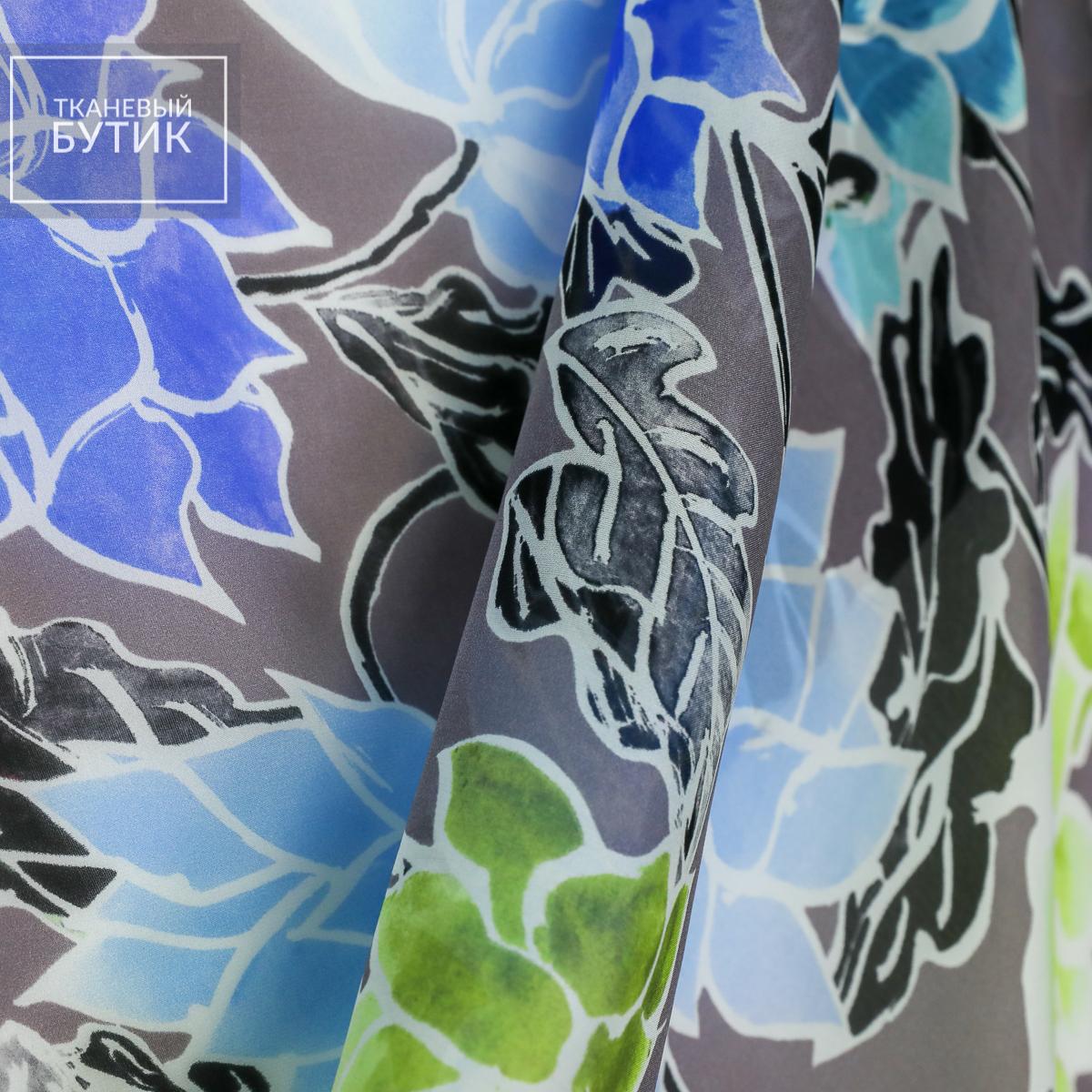 Шелковый шифон в крупные сине-голубые и салатовые цветы