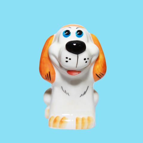 Статуэтка фарфоровая собака Крендель цветной