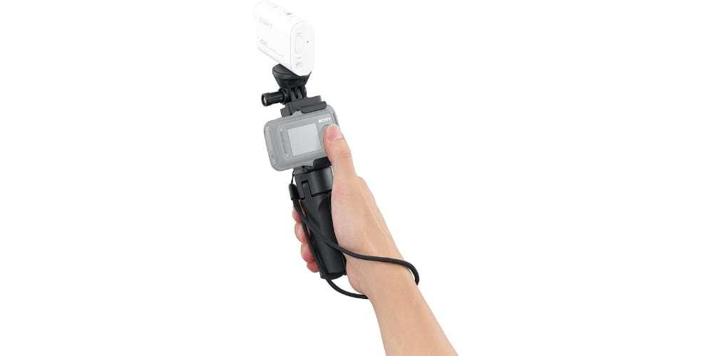Ручка для съемки Sony VCT-STG1 в руке