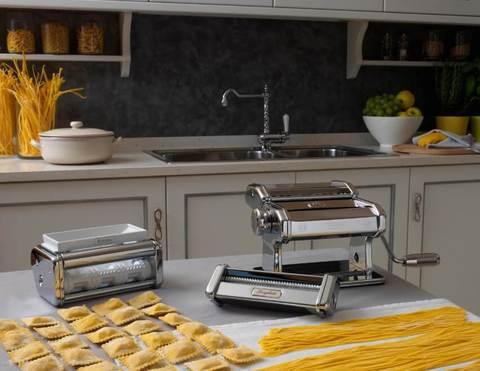 Лапшерезка Атлас 150 с насадками для равиоли и 3 форм пасты: набор Pasta Set Marcato, фото
