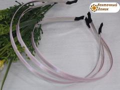 Ободки металлические в светло-розовом атласе