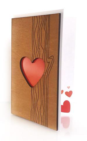 Сердце в дереве