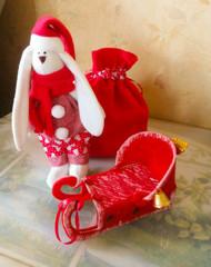 Зайка новогодний с санками и мешком