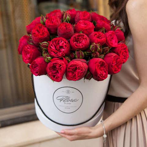 Розы Red Piano в черной коробке