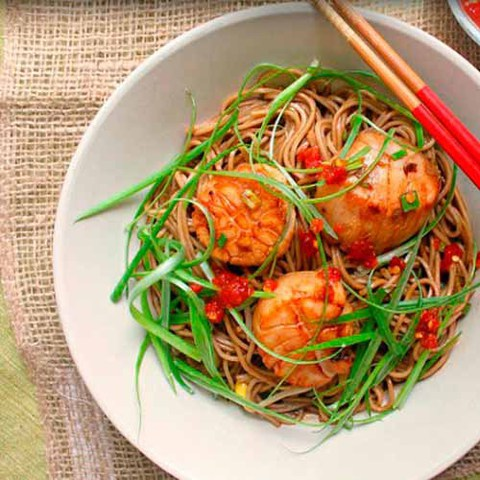 https://static-eu.insales.ru/images/products/1/4111/37875727/scallops_with_soba_noodles.jpg