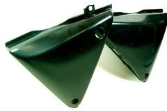 Пластиковые боковые крышки для мотоцикла Honda CB400 92-98. Комплект, левая и правая.