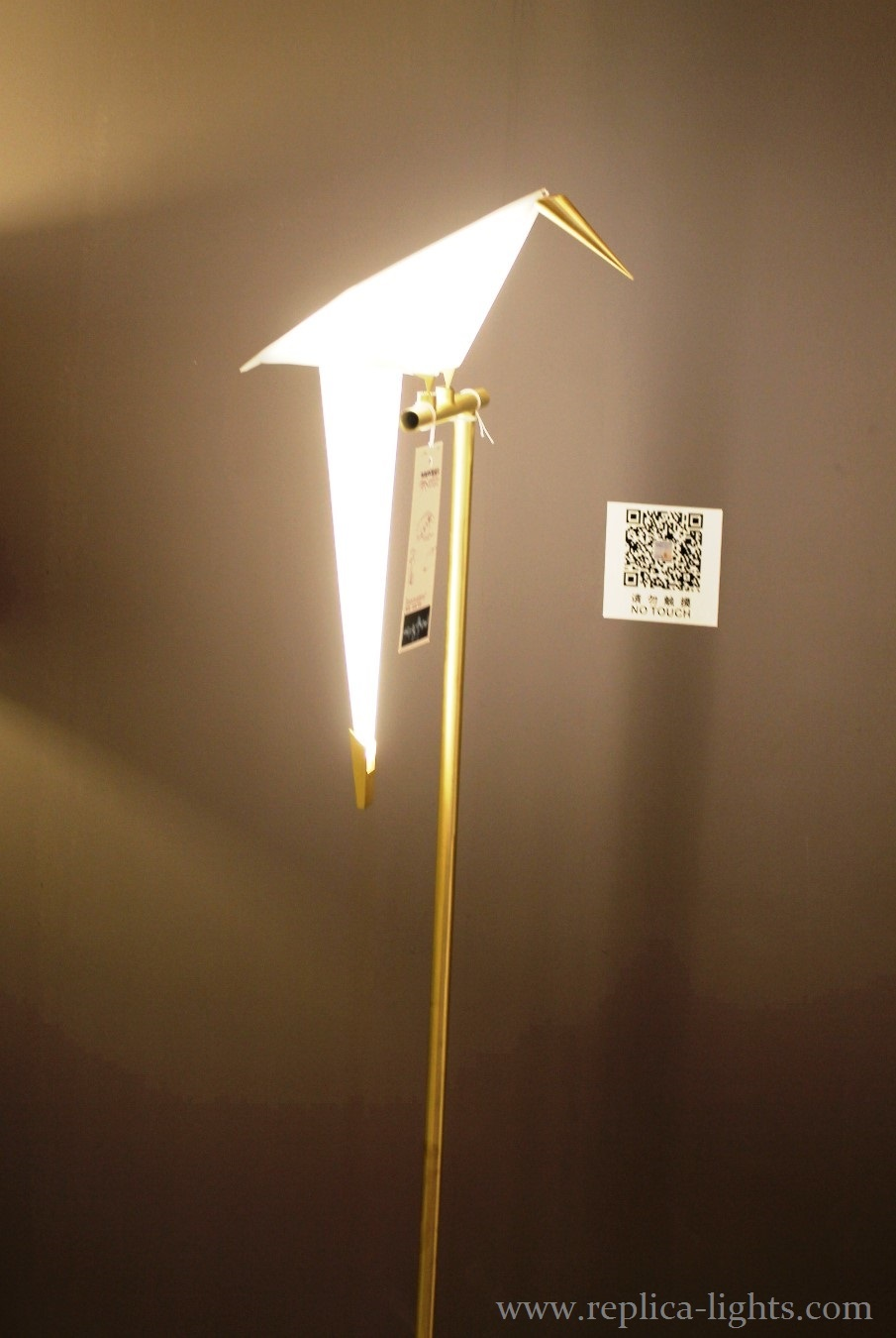 replica moooi perch floor light by umut yamac