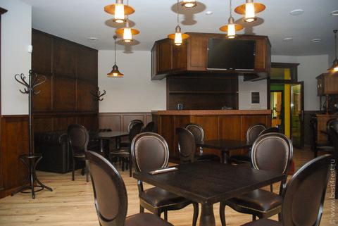 Столы и стулья для семейного ресторана Ешь