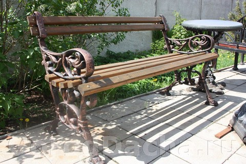 Скамейка чугунная литая «Беседа» с подлокотниками
