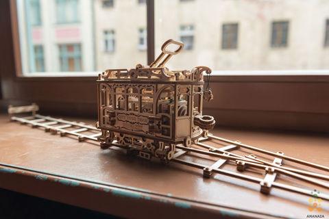 Городской трамвай с рельсами (Wooden City) - сборная модель, деревянный конструктор, 3D пазл