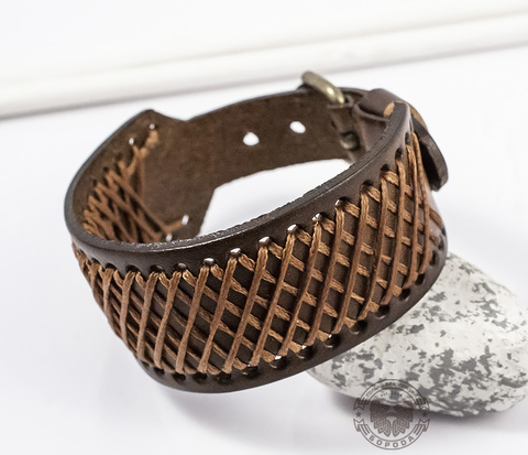 BL363-2 Широкий мужской  браслет напульсник ручной работы из кожи и ниток