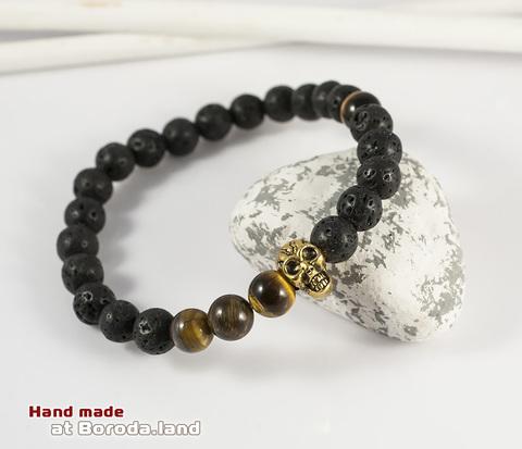 BS548 Браслет из натуральных камней с черепом (лава, тигровый глаз).