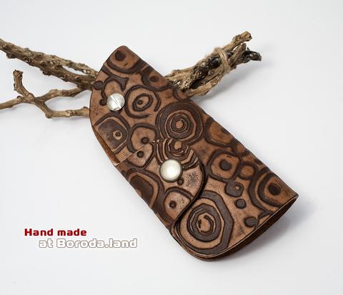 Кожаная ключница «Этно» на застежке с металлическим кольцом