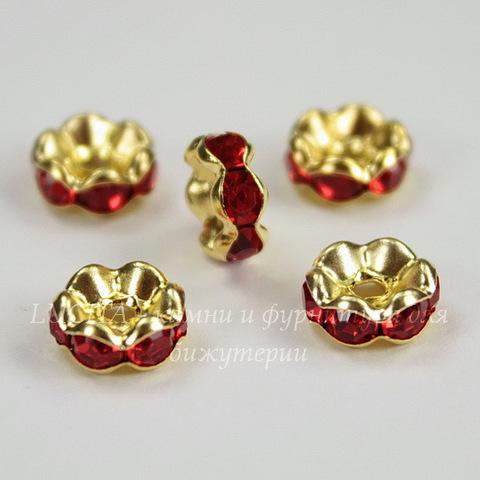 Бусина - рондель 8х4 мм с красными фианитами (цвет - золото), 5 штук
