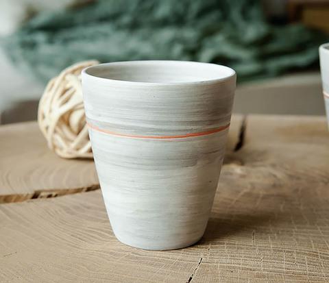 Оригинальный керамический стакан ручной работы
