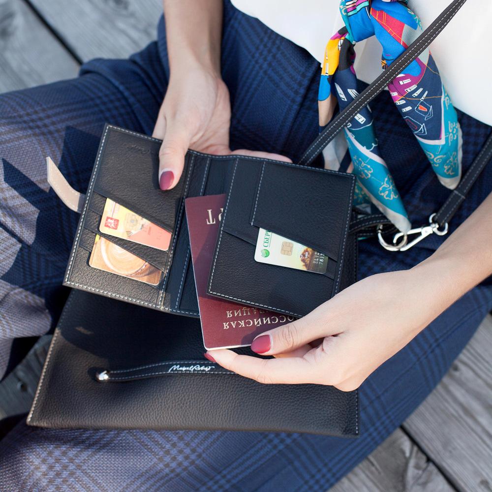 Обложка для паспорта и автодокументов Cannes Bicolor из натуральной кожи теленка, черного цвета