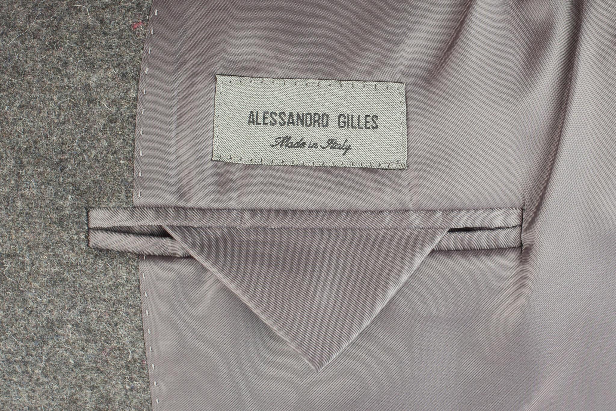 Серый костюм из 100%-ной шерсти, внутренний карман