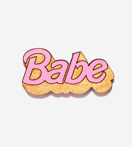 Брошь Babe