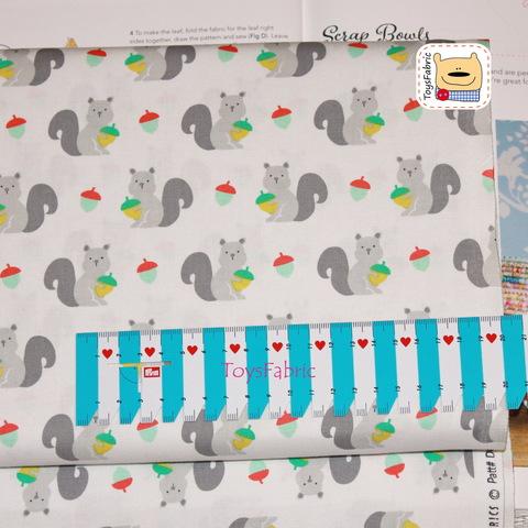 Ткань для пэчворка 20947 (серые белки) 45х55см