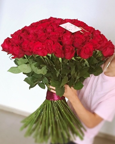 Купить розы онлайн в Тбилиси. Доставка цветов