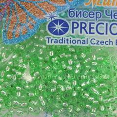 08256 Бисер 10/0 Preciosa Кристалл зеленый с серебряным центром