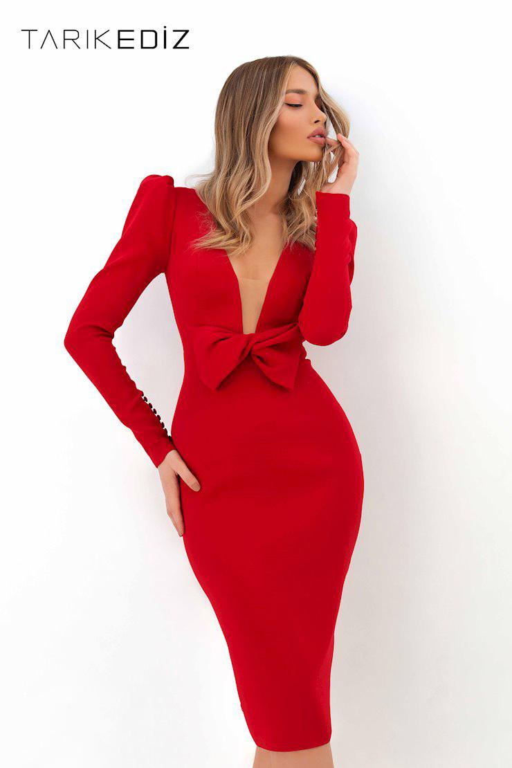 Tarik Ediz 93800 Эффектное красное платье средней длины от дизайнера Tarik Ediz. Коллекция 2020