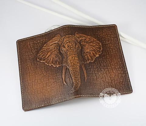 BY14-30-06 Обложка на паспорт из натуральной кожи с изображением слона