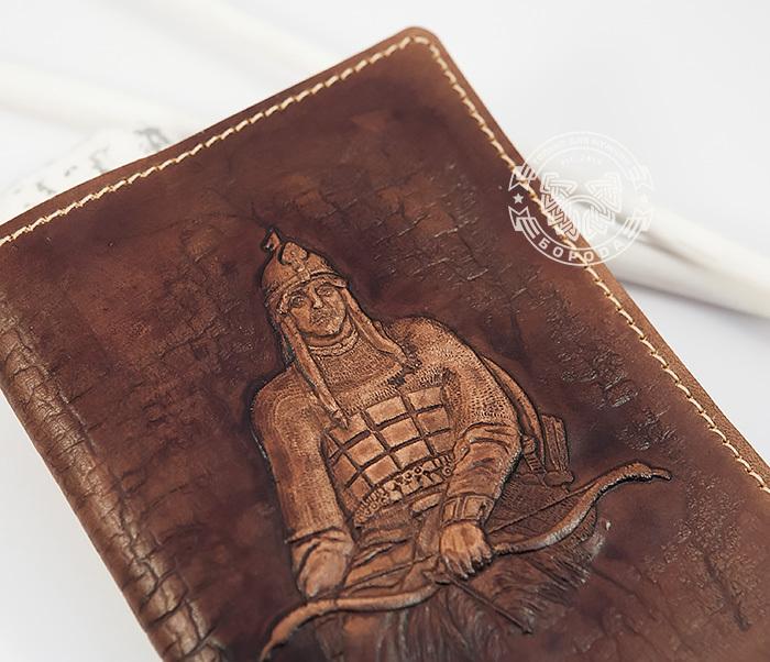 BY14-34-03 Кожаная обложка на паспорт «Алеша Попович» фото 01