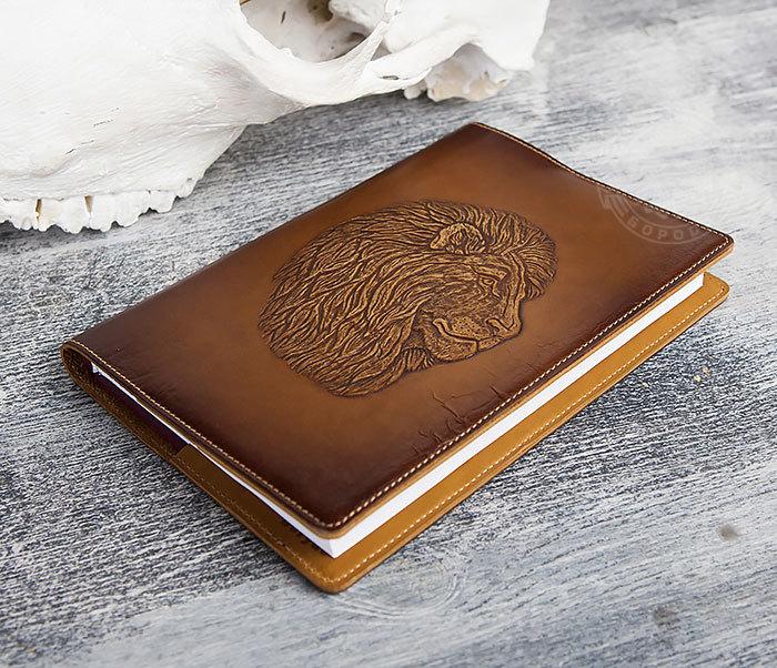BY05-15-01 Кожаный ежедневник в обложке из натуральной кожи «Лев» (А5) фото 03