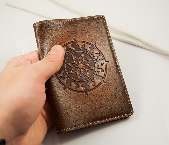 54cd13382d75 BY14-36-01 Кожаная обложка на паспорт ручной работы «Алатырь Щит»