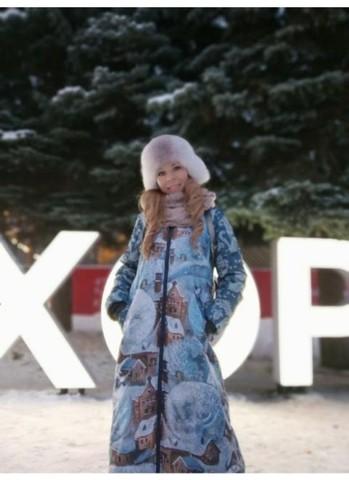 Сказочная Татьяна в пальто