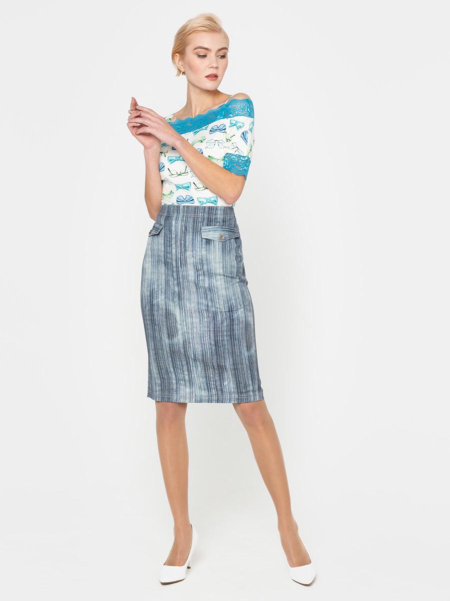 Юбка Б069-379 - Стильная джинсовая юбка-карандаш модной длины ниже колена. Сзади шлица и застежка на потайную молнию. Спереди имитация карманов.