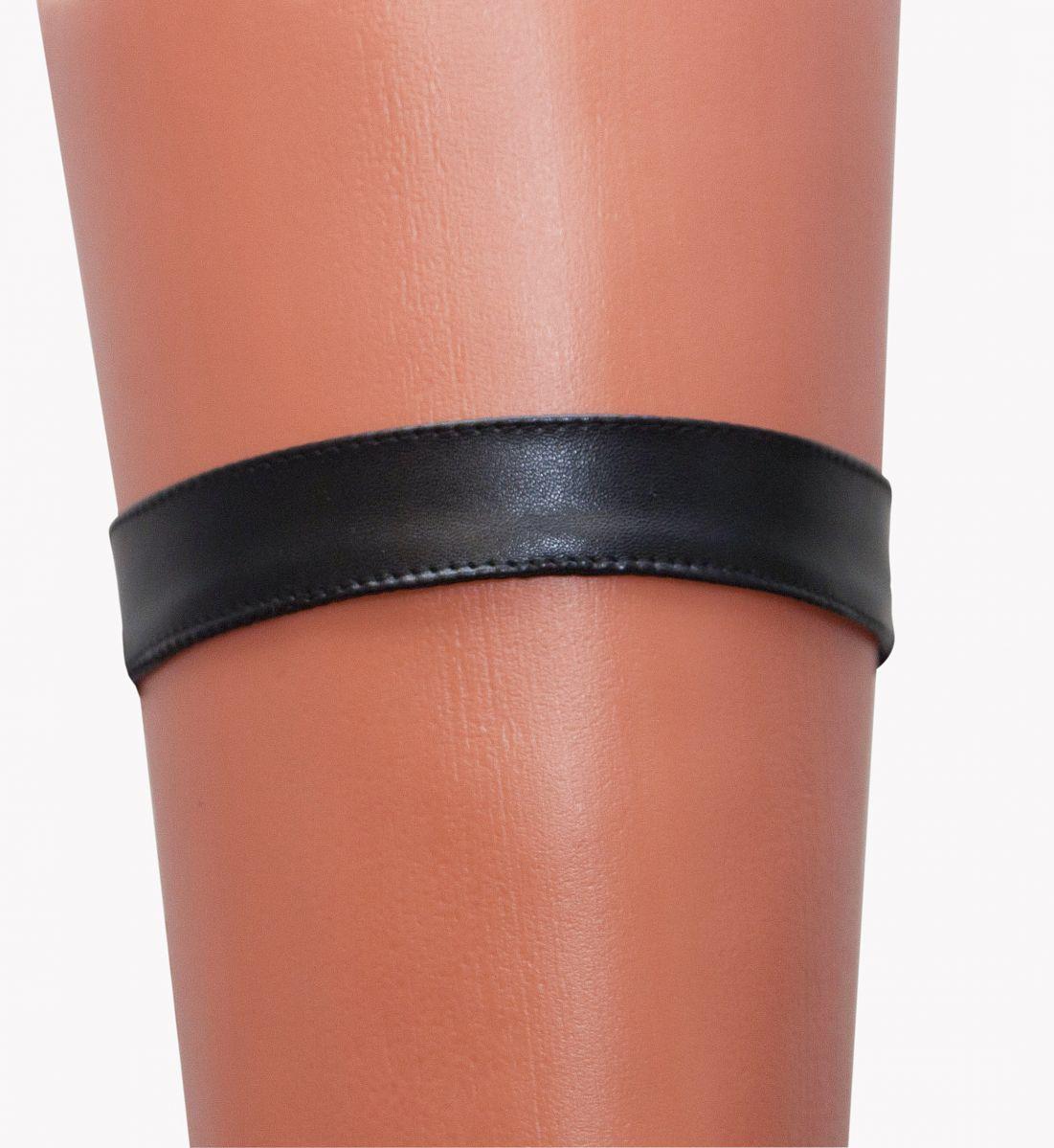 Перчатки и аксессуары: Чёрная кожаная подвязка