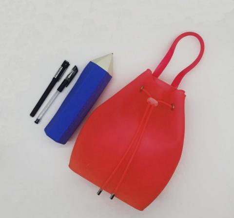 073-230 Рюкзак силиконовый, красный