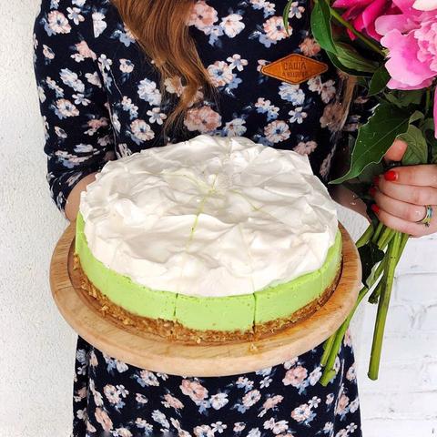 Лаймовый торт с кедровым орехом