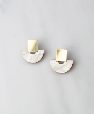 Серьги Marina Studs in Mother of Pearl