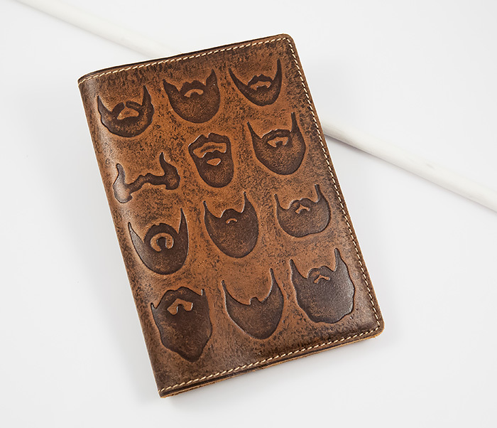 BY14-02-02 Прикольная обложка на паспорт с изображением бород, тиснение фото 01