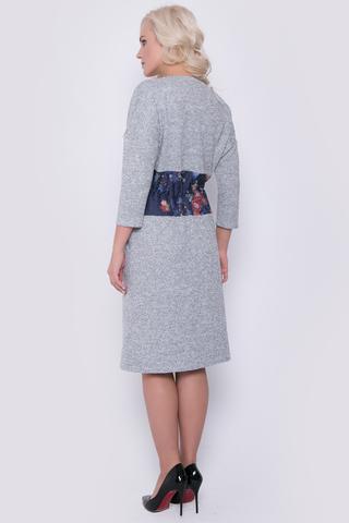 Уютное платье на каждый день. На талии отделочный элемент в виде корсета с кулиской на шнуре. Рукав 3/4.