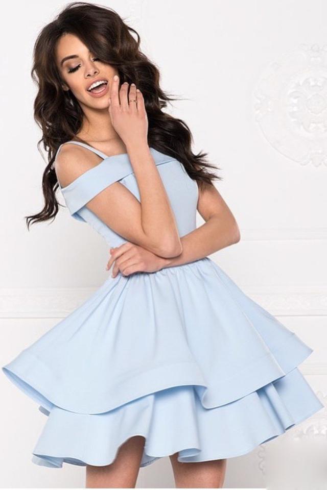 07810244e8b35ff Пышное короткое платье с открытыми плечами, голубое купить в Москве ...
