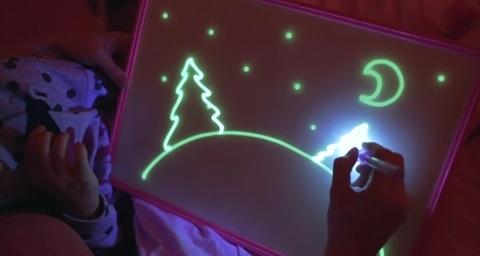 Игровой Набор Рисуй светом для рисования в темноте будет интересен ...
