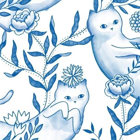 Воздушные коты нежатся в листве