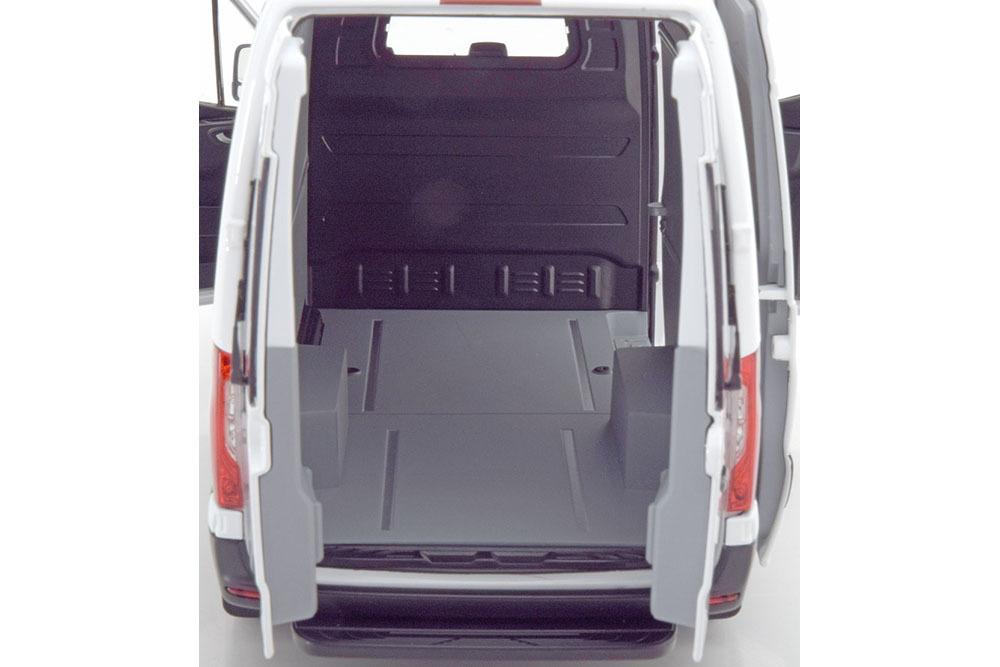 Коллекционная модель Mercedes-Benz SPRINTER BOX WAGON 2018 WHITE