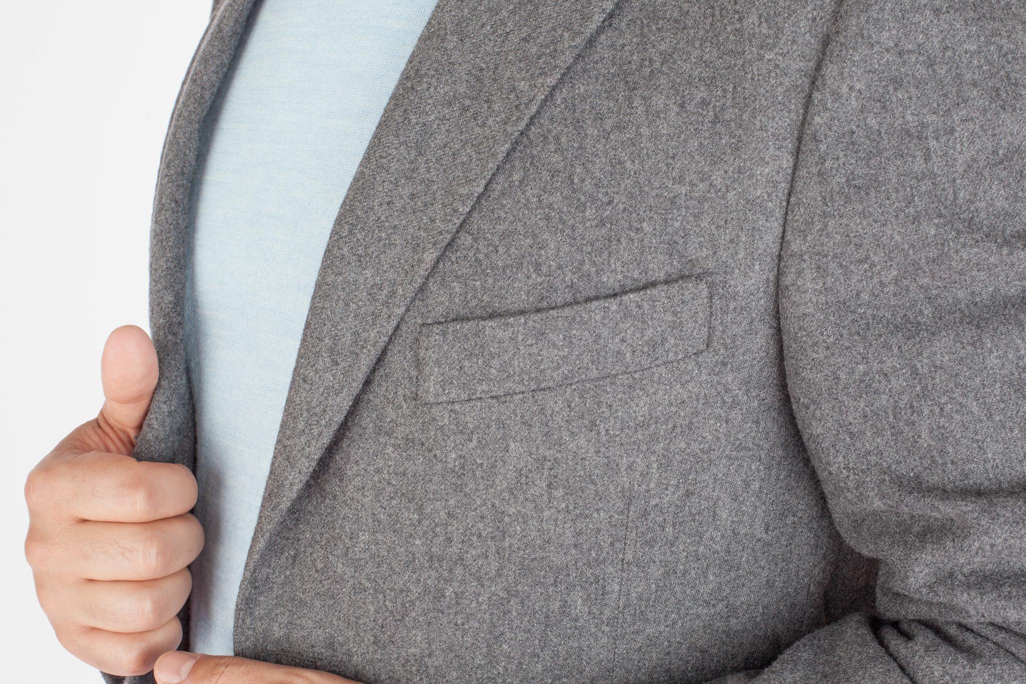 Серый пиджак из 100%-ной шерсти, нагрудный карман