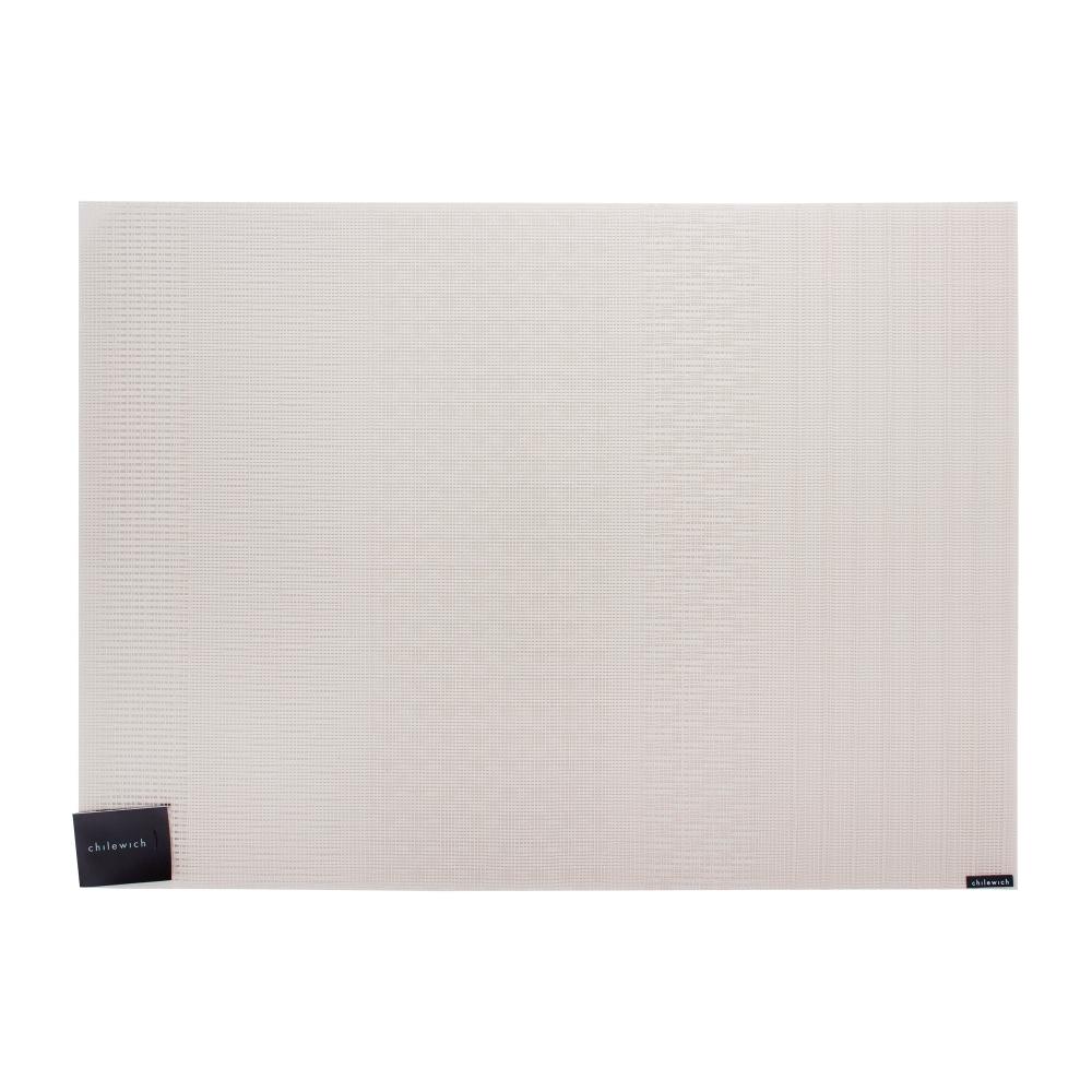 Салфетка подстановочная, винил, (36х48) Flax CHILEWICH Mixed Weave арт. 100396-002Сервировка стола<br>Подстановочные салфетки из коллекции Mixed Weave с мелким сетчатым переплетением сотканы из тонких виниловых прядей, Абсолютно плоская поверхность и неяркая цветовая гамма удачно имитирует натуральный материал. При этом виниловые салфетки гораздо прочнее и долговечнее тканевых: они прекрасно выдерживают частое использование, не теряя цвета и фактуры, легко моются и надежно защищают поверхность стола от горячих блюд.<br>Пастельные тона позволяют использовать их с посудой любого стиля. Классическая форма, цвет и текстура добавят в сервировку стола классической элегантности, одновременно внося в застолье свежесть и новизну.<br><br>длина (см):36материал:винилпредметов в наборе (штук):1страна:СШАширина (см):48.0<br>Официальный продавец CHILEWICH<br>