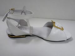 Белые босоножки женские Topas 46666