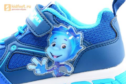 Светящиеся кроссовки для мальчиков Фиксики на липучках, цвет синий, мигает картинка сбоку. Изображение 12 из 15.