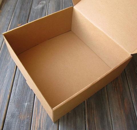 Коробка мгк-крафт ЧЕМОДАНЧИК с замочком (200*200*90мм)